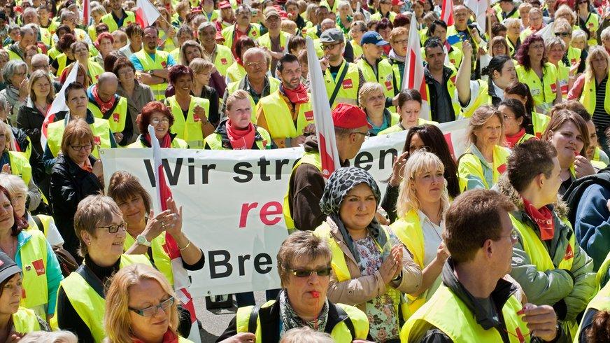 Streikende Menschenmenge