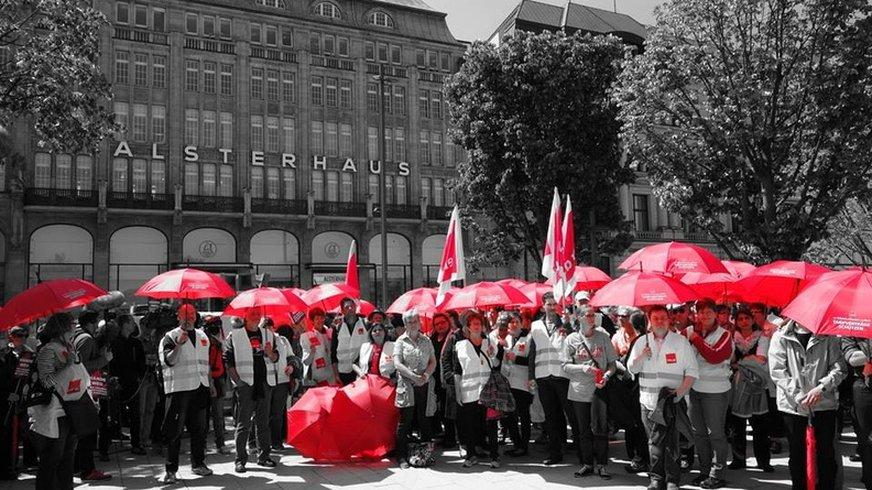 Streikende bei Karstadt
