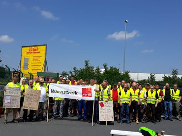 Streik beim Netto Zentrallager in Thiendorf am 7. Juni 2019